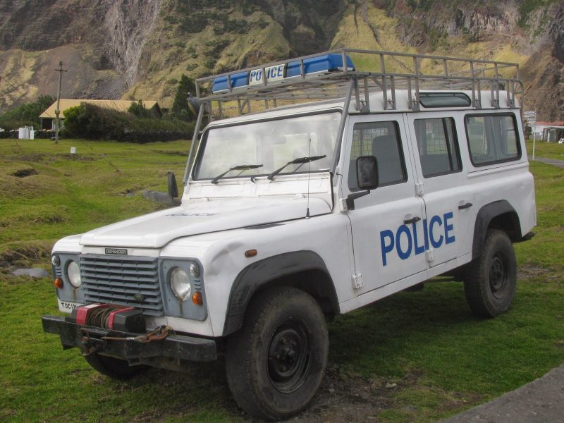tristan de acunha policia