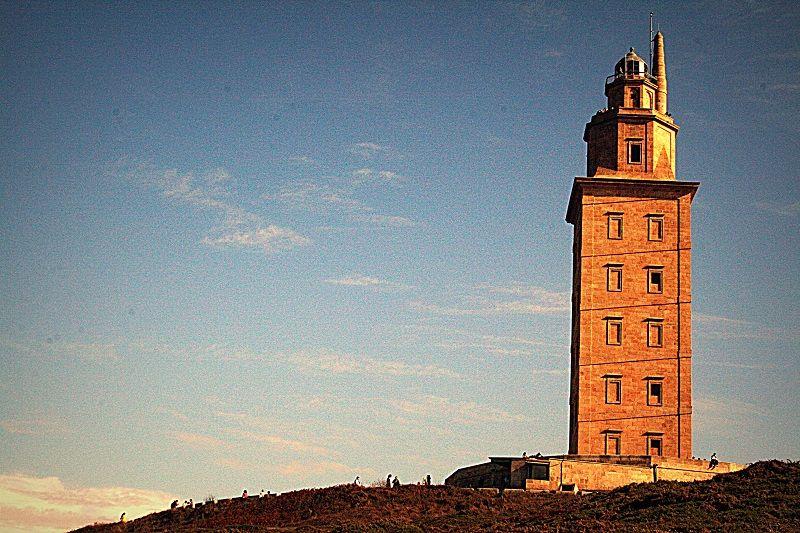 torre hercules curiosidades leyendas datos españa galicia